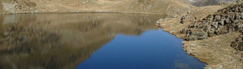 Randonnez près d'un lac des Pyrénées